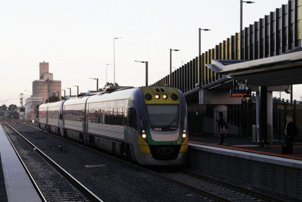 VLocity VL04 with a Ballarat service arrives into the new platform 4 at Sunshine
