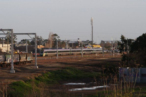 VLocity from Ballarat uses the short length of RRL tracks already commissioned at the up end of Sunshine