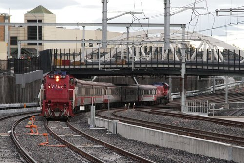 P16 leads an up Bacchus Marsh service towards Footscray on the new RRL tracks