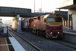 N471 leads the up Swan Hill service express through Sunshine platform 3