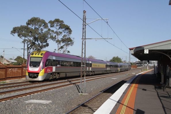 VLocity VL06 and 3VL51 head out of the city along the RRL tracks at Middle Footscray