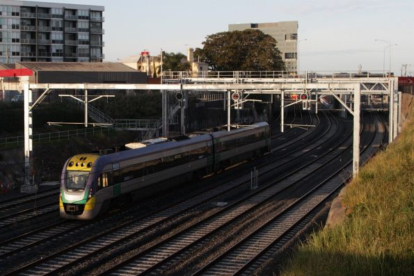 VLocity VL03 on a down service arrives into Footscray via the RRL tracks