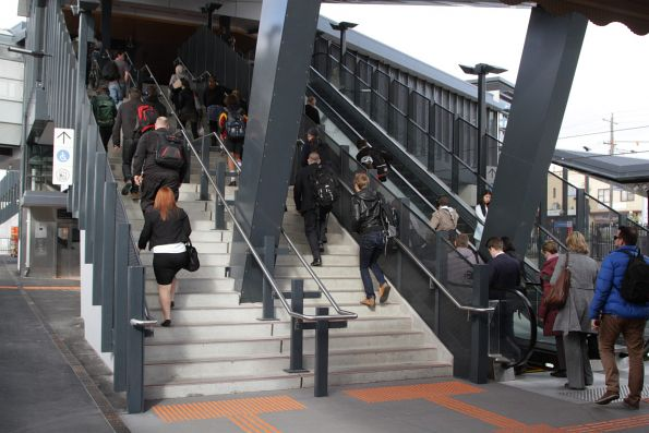 V/Line passengers climb one flight of stairs at Footscray for their City Loop service