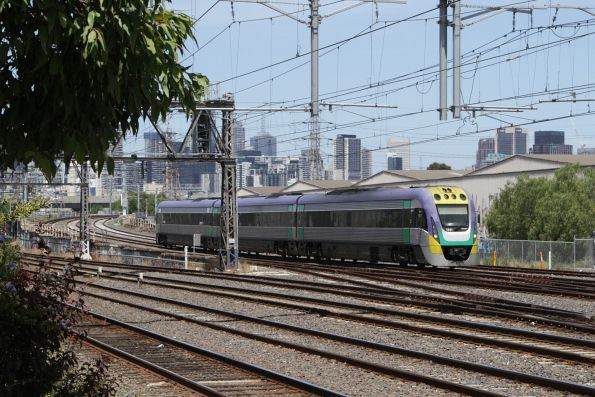 VLocity 3VL41 leads a down service along the RRL tracks at South Kensington