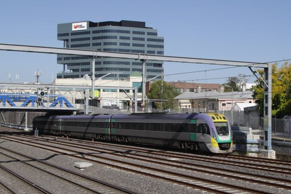 VLocity 3VL34 departs Footscray on the down