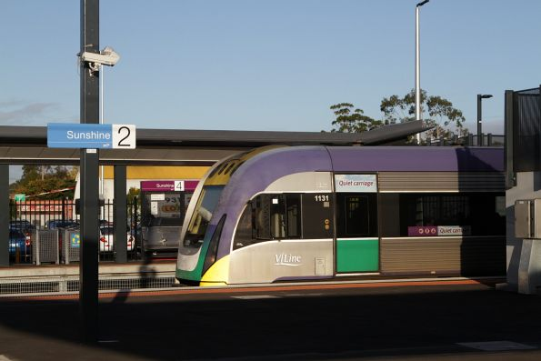 VLocity 3VL31 run through Sunshine platform 3 with a citybound service