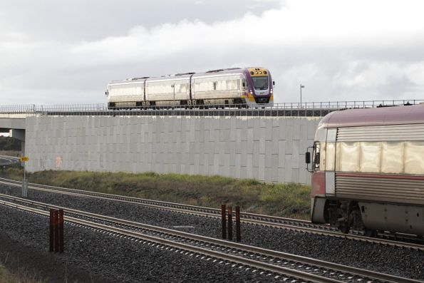 New and old V/Line trains cross paths at Manor Junction