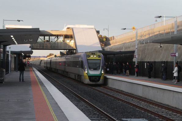 VLocity 3VL32 and classmate on a 5-car consist ex-Geelong running express through Wyndham Vale