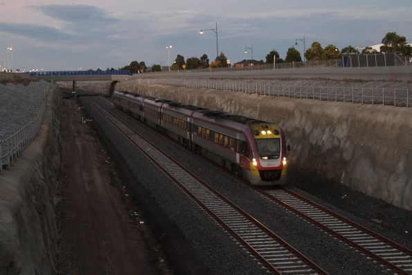 6 car VLocity set arrives into Wyndham Vale on an up Geelong service
