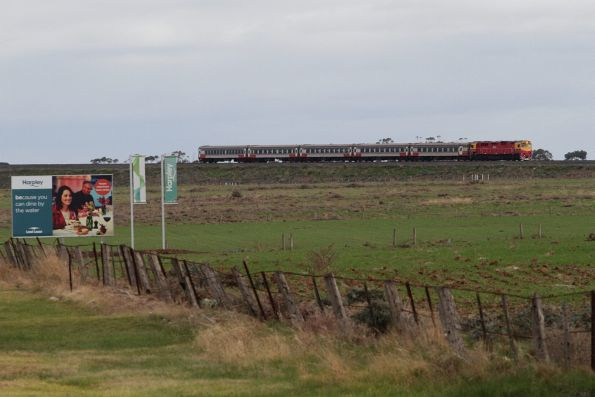 N class leads an up Warrnambool services downgrade from the flyover at Manor Junction