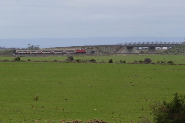 N class leads an up Warrnambool services towards Wyndham Vale