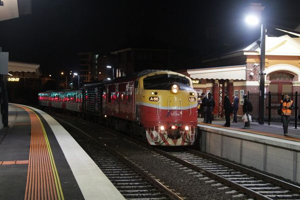 A66 leads a down Bacchus Marsh service into Footscray