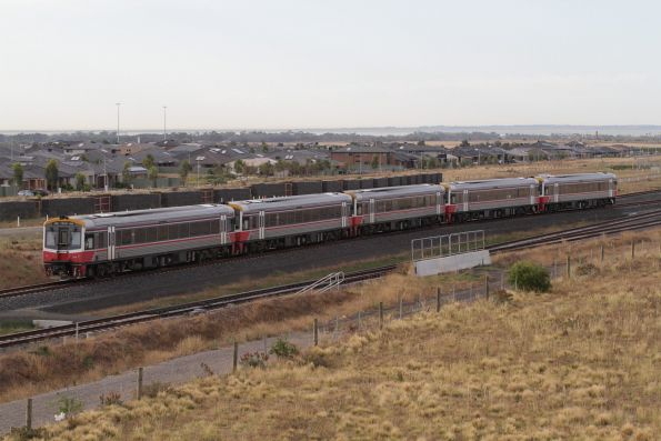 Set of five Sprinter railcars arrive at the Wyndham Vale South turnback siding