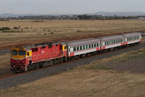 N455 leads the down Warrnambool service at Wyndham Vale South