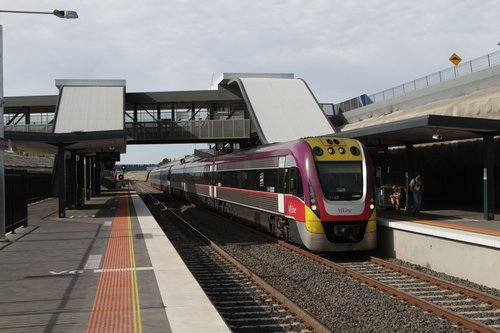 VLocity 3VL47 and classmate lead an up service into Wyndham Vale