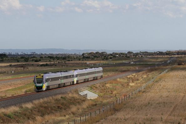 VLocity VL14 approaches Wyndham Vale South with an up Geelong service