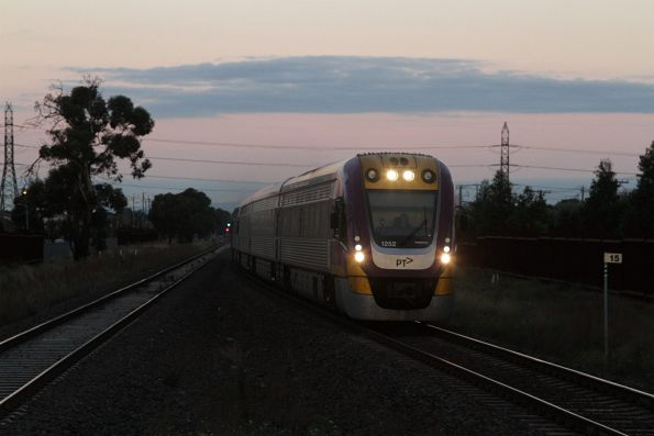 VLocity 3VL52 leads a down service through Ardeer station