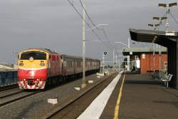 A66 leads an up Bacchus Marsh service past Tottenham station