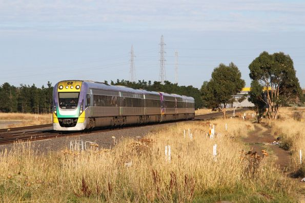 VLocity VL23 approaches Deer Park Junction with an up Ballarat service