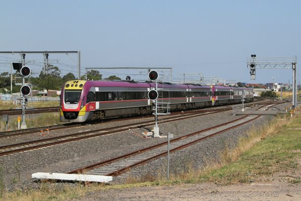 VLocity VL43 departs Sunshine with an up service
