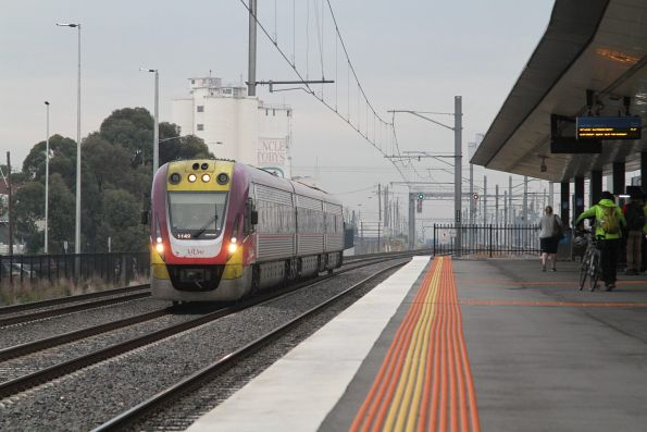 VLocity VL49 solo on the up at West Footscray