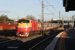 A66 leads an up Bacchus Marsh service through Middle Footscray