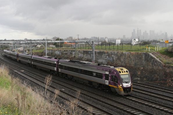 VLocity VL02 and classmate approaches Footscray on the down