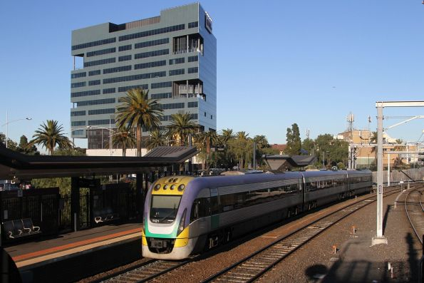 VLocity VL21 departs Footscray on the down