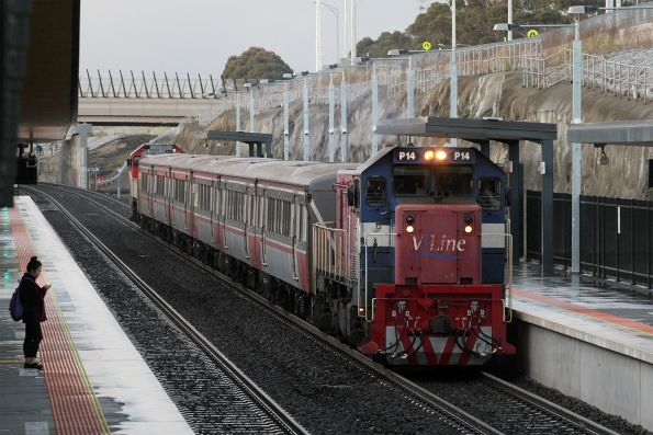 P14 leads P15 into Wyndham Vale station with a down push-pull service