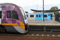 VLocity VL10 alongside Siemens 842M at Sunshine station