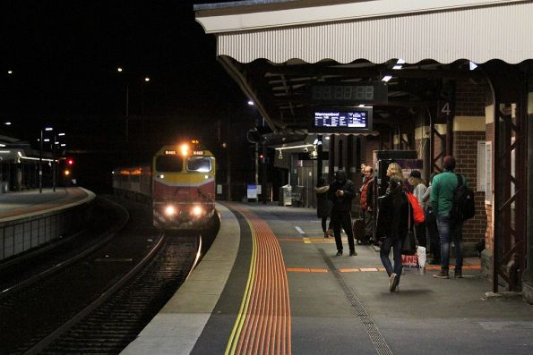 N465 leads a down Warrnambool service into Footscray