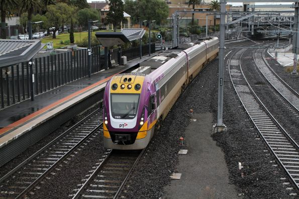 VLocity VL65 arrives into Footscray on the up