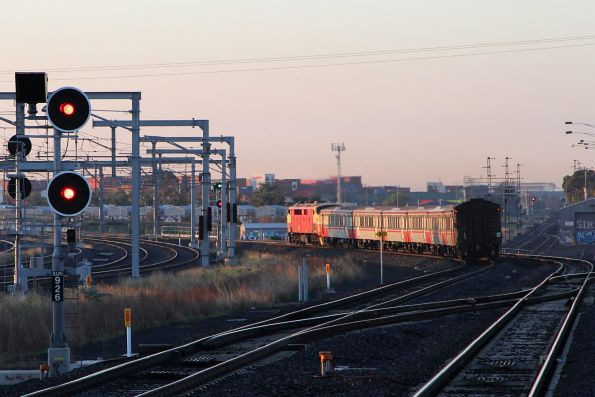 A66 leads it's supposed final up Bacchus Marsh service out of Sunshine station