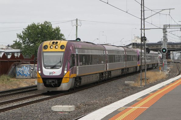 VLocity VL10 and classmate on the up at Middle Footscray