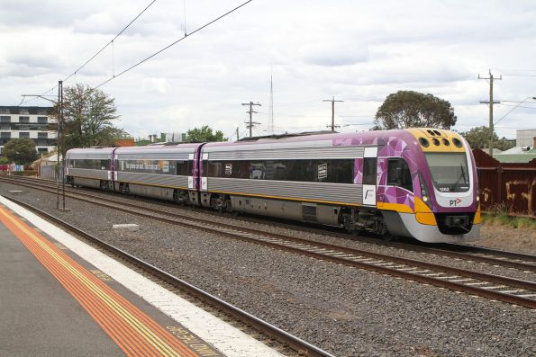 VLocity VL62 on the down at Middle Footscray