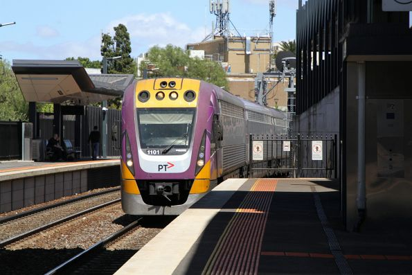 VLocity VL01 arrives into Footscray on the up