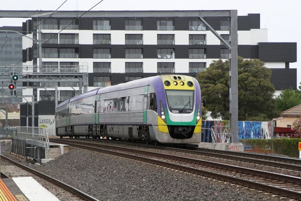 VLocity VL24 on the down at Middle Footscray
