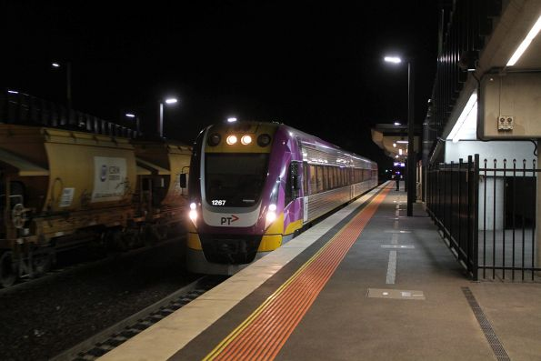 VLocity VL67 arrives into Sunshine on a down Waurn Ponds service