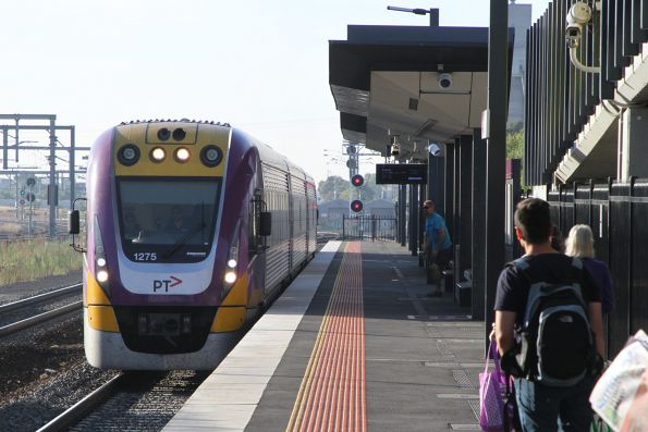 VLocity VL75 arrives into Sunshine on a down Ararat service