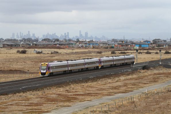 VLocity VL58 and VL56 on an up Geelong service approaches Tarneit