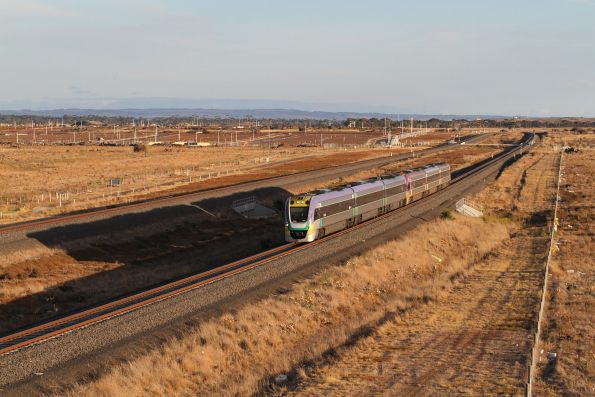 VLocity VL20 and VL06 on an up Geelong service at Wyndham Vale South