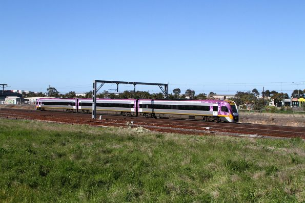 VLocity VL55 on a down Bacchus Marsh service at Sunshine