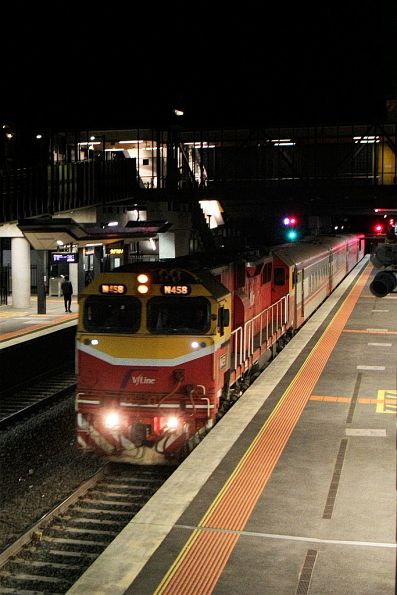 N458 leads a late running up Warrnambool service through Sunshine
