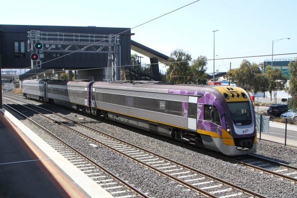 VLocity VL40 on the down at West Footscray