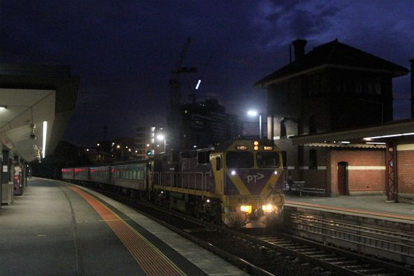 N459 leads the down Warrnambool service into Footscray