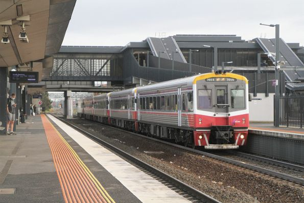 Sprinter 7014 leads four classmates into Sunshine on an up Wyndham Vale service