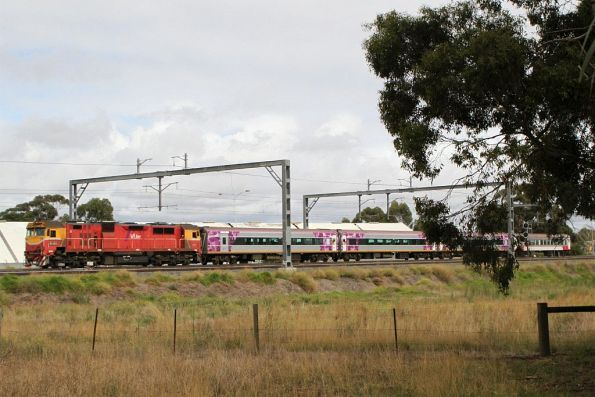 N469 leads an up Warrnambool service through Sunshine