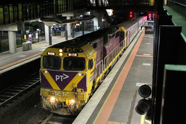 N458 leads carriage set VN14 through Sunshine on an up Warrnambool service