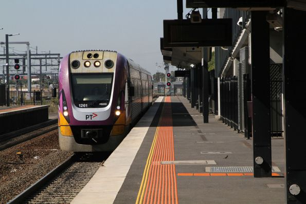 VLocity VL61 arrives into Sunshine on a down South Geelong service