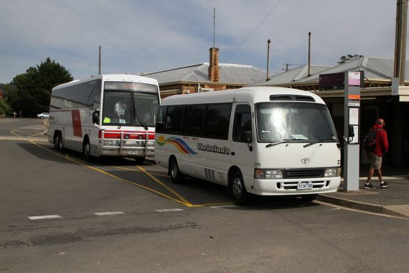 Christian's bus #375 5136AO on a town run at Ararat station